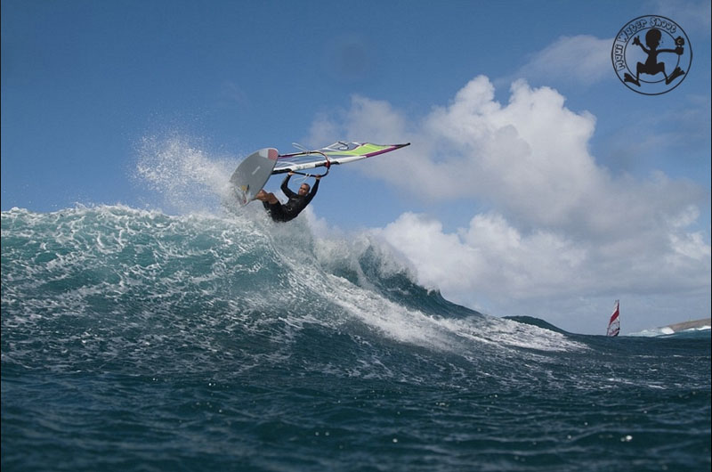 Nico en Aerial (Rider : Nico Cailly | Credit : Maui Water Shoot)